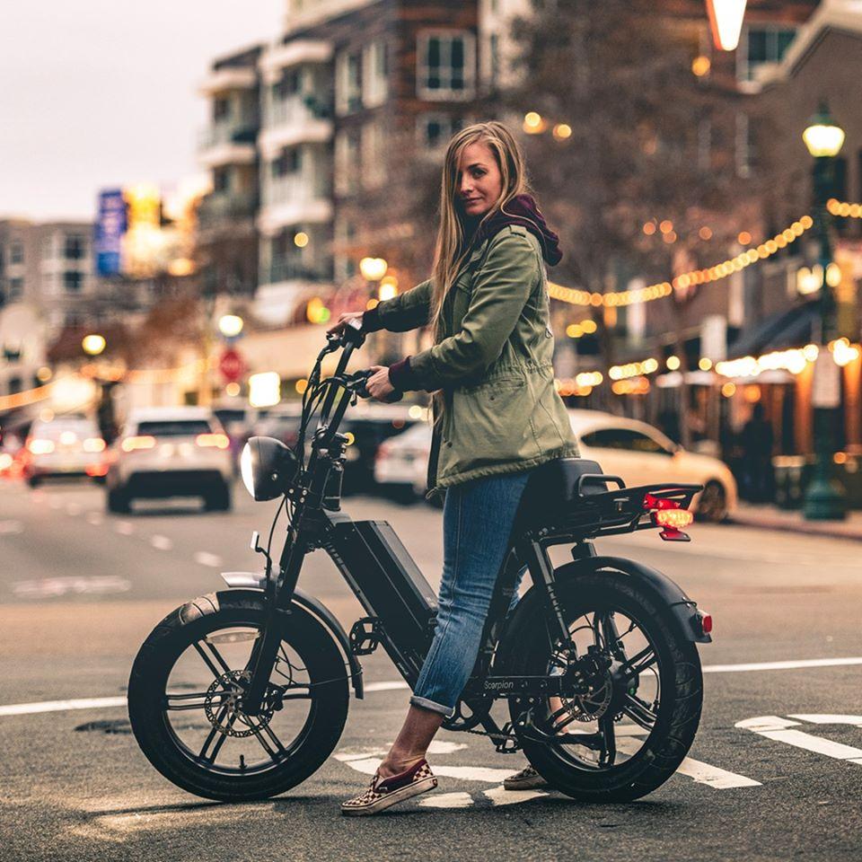 Чому європейці пересідають на електровелосипеди?